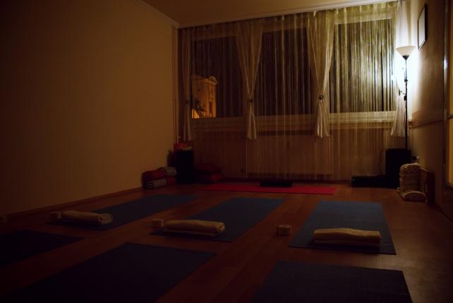 dahlia jóga gyakorlóterem